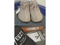 YEEZY BOOST 350 MOONROCK UK9 **NEW** WITH FREEBIES