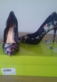 Ted Baker women's butterfly entangled enchantment shoes size 4/37