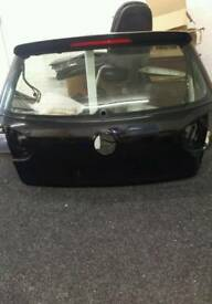Mk5 golf rear boot tail lid black with r32 spoiler