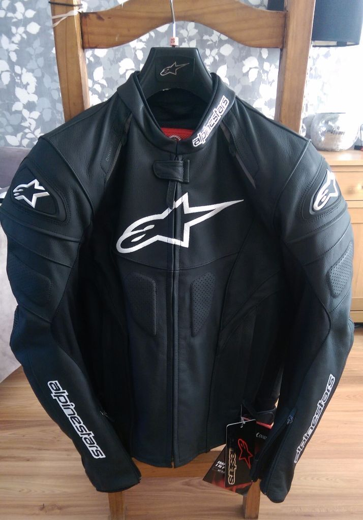 alpinestars gp plus r leather motorcycle jacket uk 42 in newtownabbey county antrim gumtree. Black Bedroom Furniture Sets. Home Design Ideas