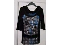 Blouse in Black and blue with decorative belt across bottom - Size 14