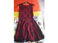 Women's Party wear dress in a very good condition. Size 10