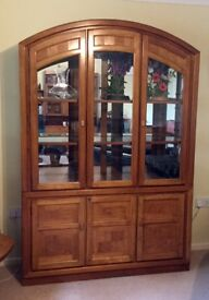 Glass fronted display dresser with lower cupboard. Splits in 2 for moving