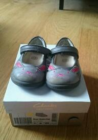 Clarks girls shoes 5G