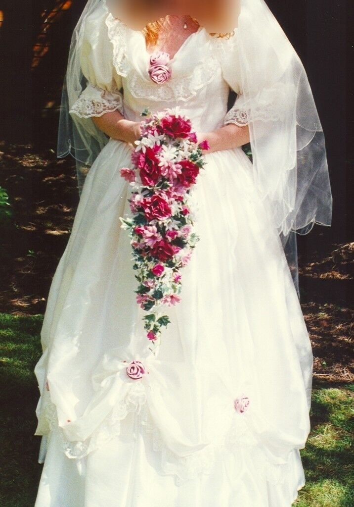 Free 80s Style Wedding And Bridesmaid Dress