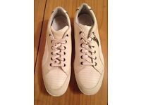 RARE PAIR OF ALEXANDER MCQUEEN PUMA TRAINERS SIZE 8 DEADSTOCK