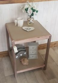 Small Side Table upcycled with Annie Sloan chalk paint