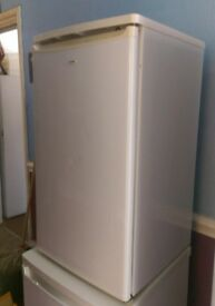 Matsui MUF857W Freestanding freezer - excellent working condition