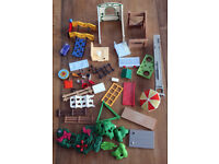 PLAYMOBIL 5879 VET CLINIC & 5167 MODERN DOLL HOUSE SHELLS ONLY & LOTS OF PARTS