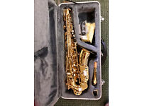 ALTO SAXOPHONE OUTFIT COMPLETE WITH CASE MUSIC STAND AND SAX STAND