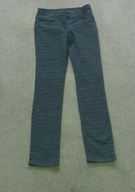 H&M Grey Chcked Trousers