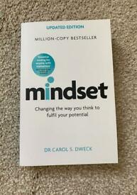 BRAND NEW UNTOUCHED 'MINDSET' BOOK BY DR CAROL S. DWECK