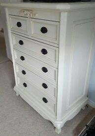 Cream Bedroom Chest of Drawers & 2 x Side units (matching)