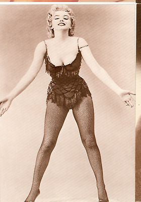 MARILYN MONROE IN DANCE OUTFIT POSTCARD(155*) - Marilyn Monroe Outfits