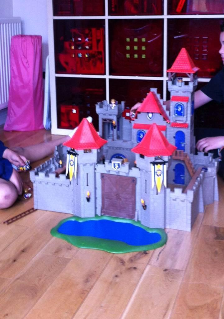 Playmobil knight's castle