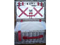 4 Person Fitted Picnic Basket (NEW)