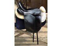 Ideal, Roella, Dressage Saddle, Size 17'