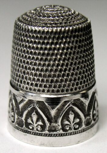 "Antique Simons Bros. Sterling Silver Thimble  ""Fleur-De-Lis In Arches""  C1920s"