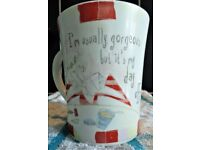 """JOHNSON BROTHERS """"BORN TO SHOP"""" - MUG """"I'm usually gorgeous but it's my day off"""""""