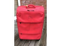 25in large expandable 4-wheel suitcase used twice sturdy super-lightweight