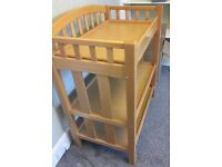 Mama's and Papa's Changing table £30