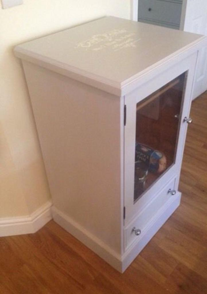 Shabby chic unit - drinks/storage/sound system