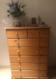 Classic chest of drawers (sold)