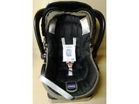 Chicco Car Seat and Baby Carrier for Newborn up to 13 Kg - Isofix base - Auto-Fix 'Fast'