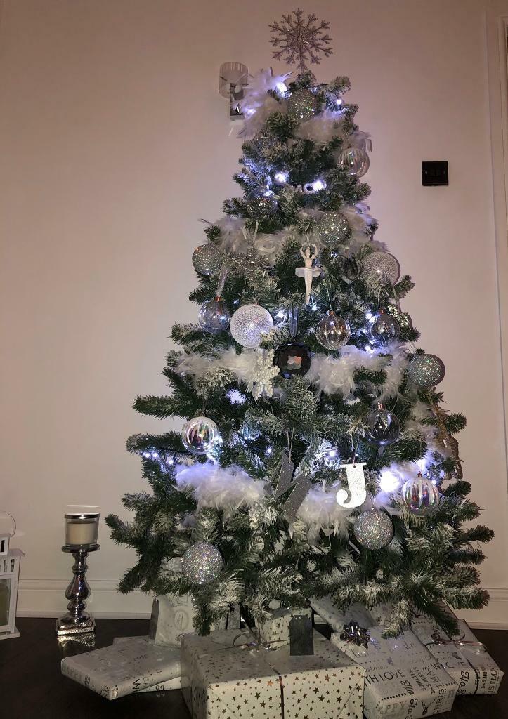 Christmas Tree Spray Snow.Christmas Tree 6ft In East End Glasgow Gumtree