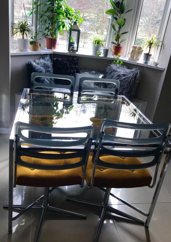 Vintage 1970s Dining Table 4 Swivel Chsirs