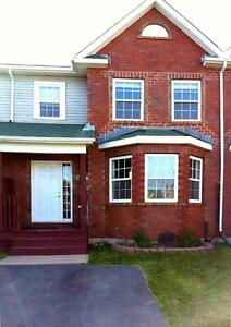 Beautiful 3 bed townhouse in Portland Hills $1375 + utilities