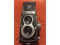 Seagull 4A -2083711 Vintage TLR Camera