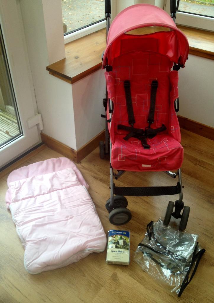 """Maclaren """"Quest"""" Pink Stroller Buggy"""