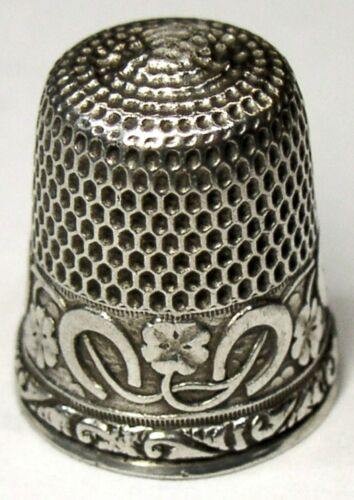"Antique Goldsmith Stern Sterling Silver Thimble  ""Horseshoes & 4-Leaf Clovers"""