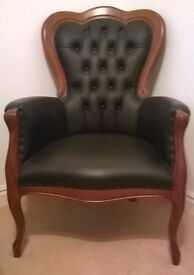 Button Back Leather And Cherry Wood Queen Anne Style Bedroom / Parlour Chair