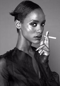 FASHION PHOTOGRAPHER AVAILABLE FOR EDITORIALS, E-COMMERCE, PAID TEST SHOOTS AND TEST VIDEOS