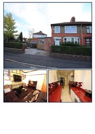 Immaculate 3/4 bedroom property with underfloor heating, off road parking, security features to rent