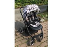 Oyster pram system with Vogue colour packs