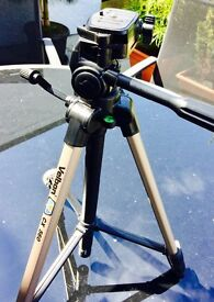 Velbon Camera Tripod CX-560 and Bag. Unused and in Pristine Condition!