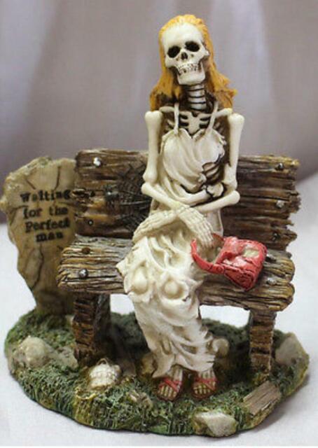 Skeleton waiting pic