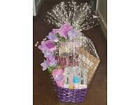 GIFT BASKET FOR LADIES/BEAUTIFUL BASKETS FOR LADIES/BIRTHDAY GIFT BASKET