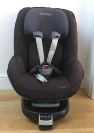 Maxi Cosi Pearl car Stage 1 car seat AND FamilyFix isofix base