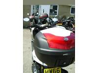 Yamaha n max moped/yamaha
