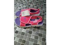 Nike girls sandles *BRAND NEW*