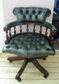 GREEN LEATHER CHESTERFIELD SWIVELING & TILTING CAPTAINS CHAIR - EXCELLENT COND