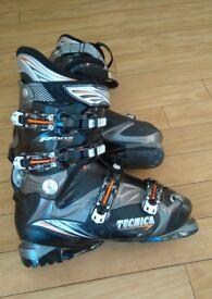 Tecnica phoenix 70 ski boots size 26.5 (uk 8)