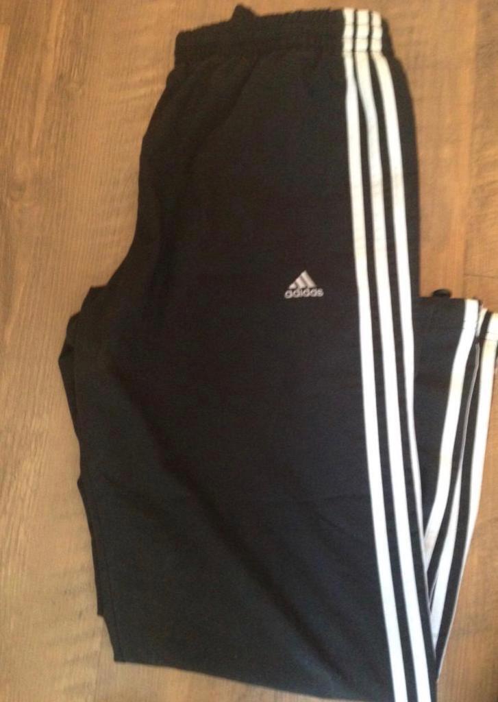 ef95fd44d91e Men s Adidas tracksuit bottoms Size  M