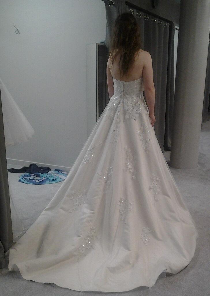 New. Viva. Oyster wedding/prom dress & Underskirt