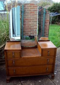 Dressing Table in Oak from the 1920's - 1930's - Triple Mirror
