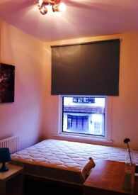 BRIGHT COSY SINGLE ROOM WITH DOUBLE BED, 8 MNTS WALK CANNING TOWN, CANARY WHARF, STRATFORD, ZONE 2,E